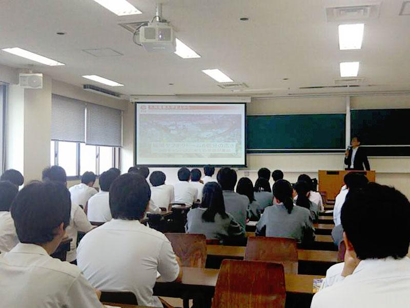 早鞆高等学校校内画像